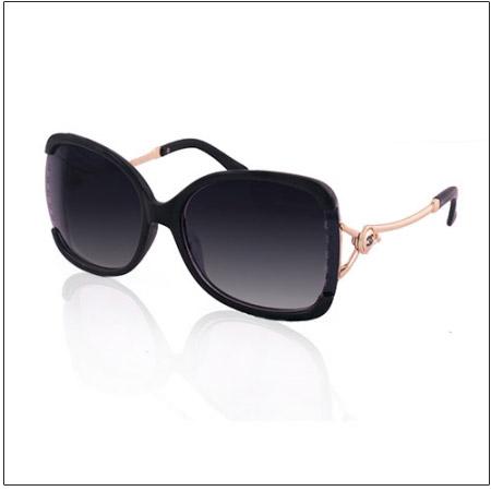 عینک زنانه چنل طرح 8984