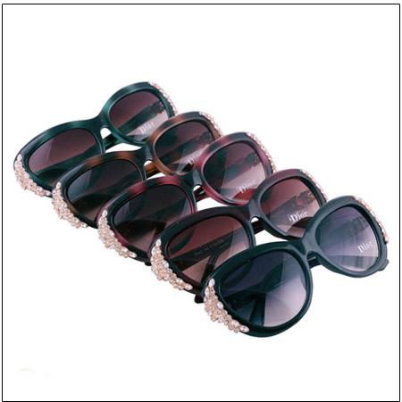 عینک زنانه دیور نگین دار مدل 1666