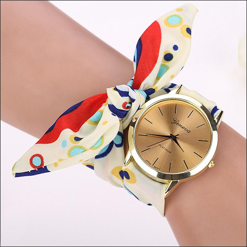 ساعت دخترانه رنگین کمان بند پارچه ای