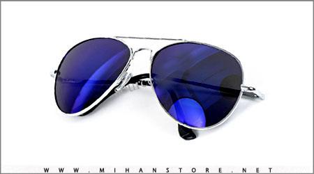 عینک آفتابی آبی رنگ